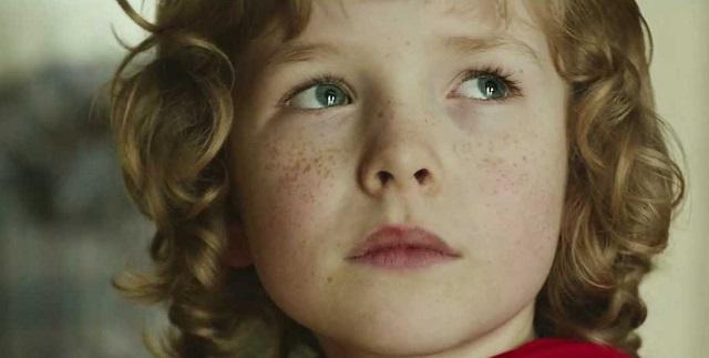 Megható kampányfilm hívja fel a figyelmet a hajléktalan gyerekekre! Ezt neked is osztanod kell!