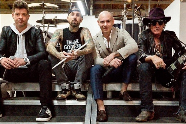 Videóklip: Pitbull feat. Robin Thicke, Joe Perry & Travis Barker - Bad Man