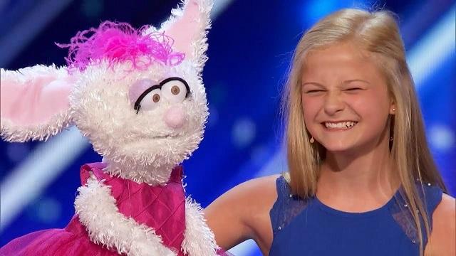 Mindenkit szavak nélkül hagy ez a 12 éves kislány, mutatjuk miért