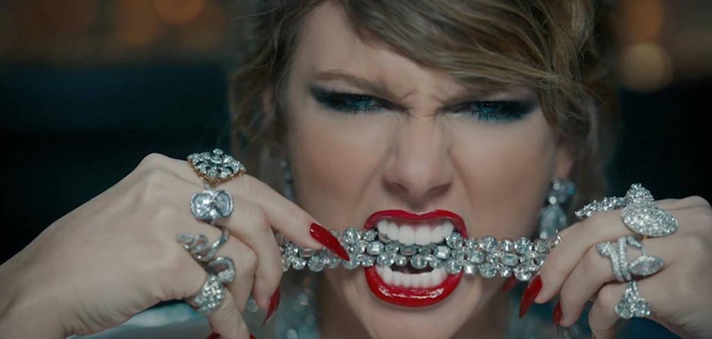 Sokakat megbotránkoztatott Taylor Swift új videóklipje, a Look What You Made Me Do