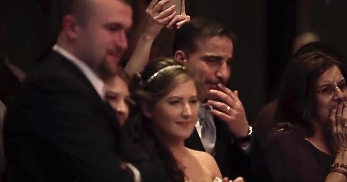 Az esküvőjén, az édesanya élete legszebb meglepetését kapta. Íme a pillanat, amitől mindenki sírva fakadt!