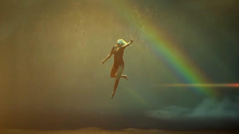 Sia előadásában érkezik a My Little Pony - The Film első hivatalos főcímdala! Íme a Rainbow