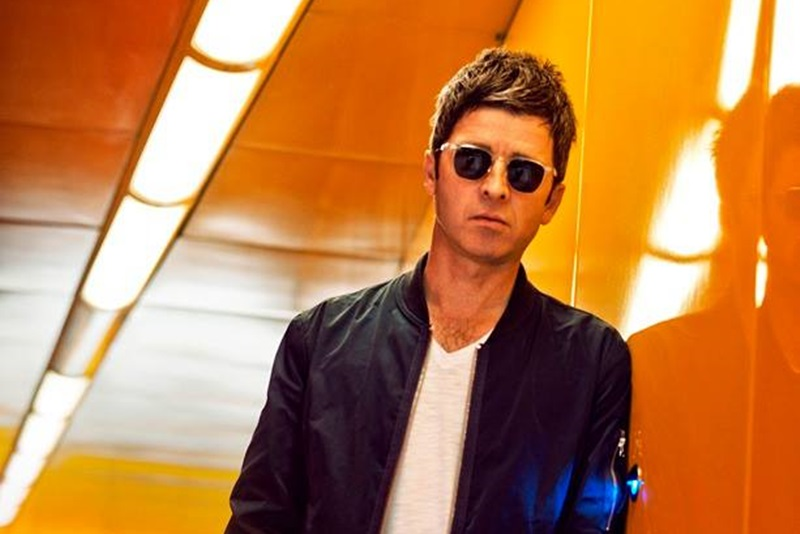 Lyric video: Noel Gallagher's High Flying Birds - It's A Beautiful World