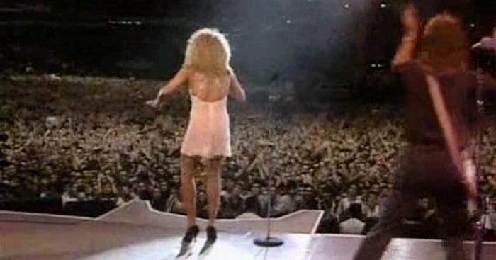 28 évvel ezelőtt Tina Turner történelmet írt ezzel a dallal! Te még emlékszel rá?