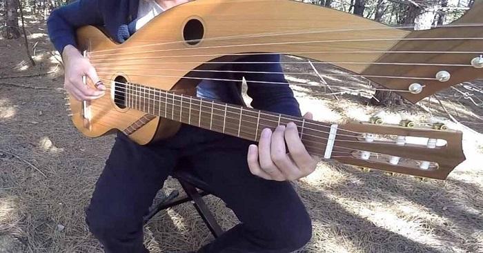 Különleges hangszeren játssza el az ismerős dalt. Amit most hallani fogsz, az a valóság!