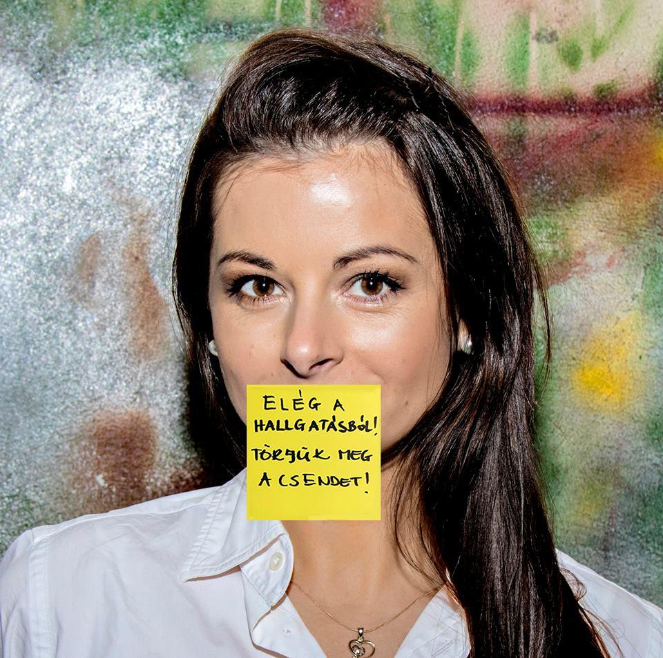 Elegem van, nem bírom tovább - fakadt ki a magyar énekesnő, aki 2022-re kapott műtéti időpontot