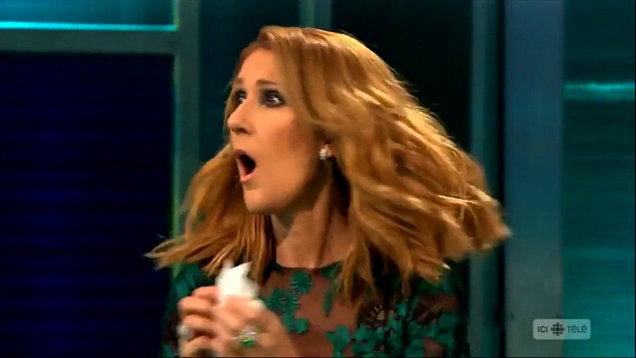 Így reagál Céline Dion, ha meghallja a kedvenc dalát! Meg kell hagyni, a srác tud énekelni!