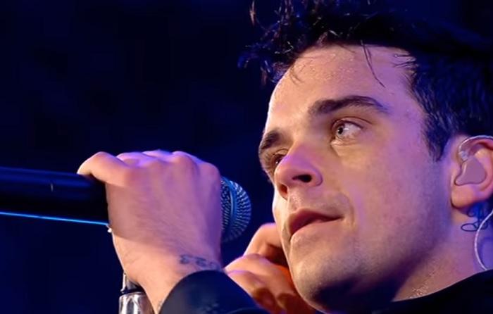 """Mi az oka, hogy Robbie Williams nem énekli koncertjein az """"Angels"""" c. dalát?"""