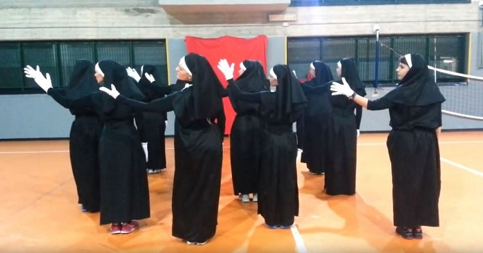 Ez a 12 nővér akár az Apáca showból is lehetne, garantáltan fel fogják dobni a napod