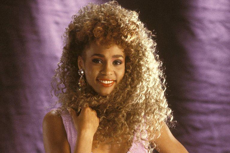 6 éve, hogy Whitney Houston nincs már köztünk: így került a szakadék szélére minden idők legtehetségesebb énekesnője