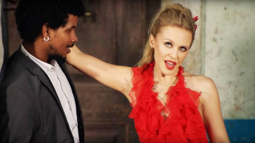 Videóklip: Kylie Minogue feat. Gente de Zona - Stop Me From Falling