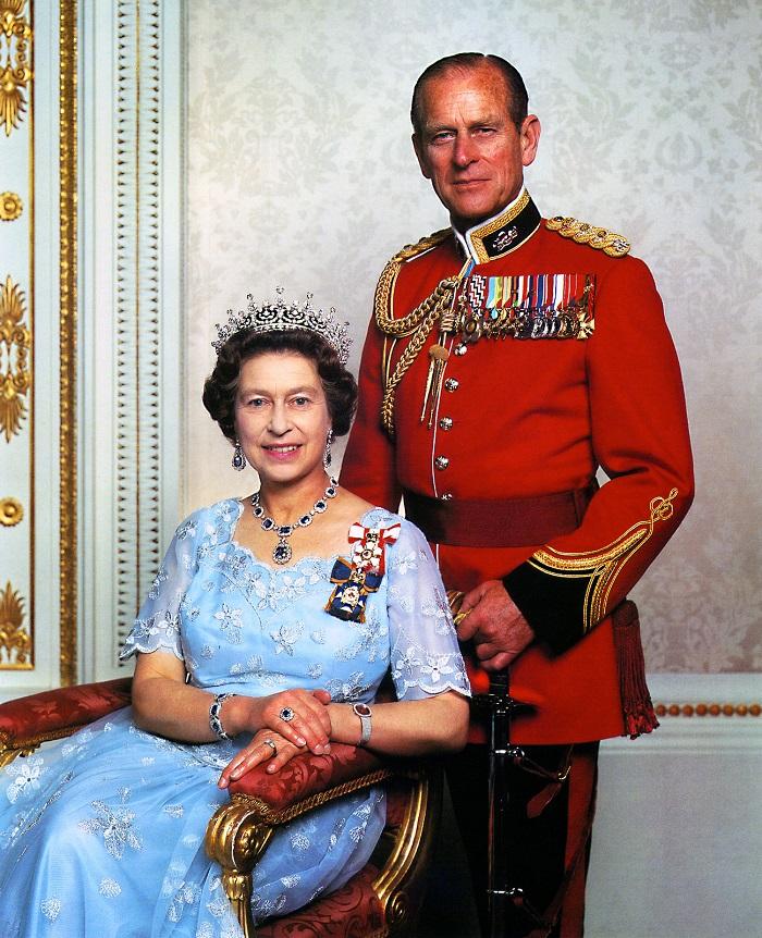 Egy királynő is lehet fülig szerelmes - II. Erzsébet királynő és Fülöp herceg mesébe illő története
