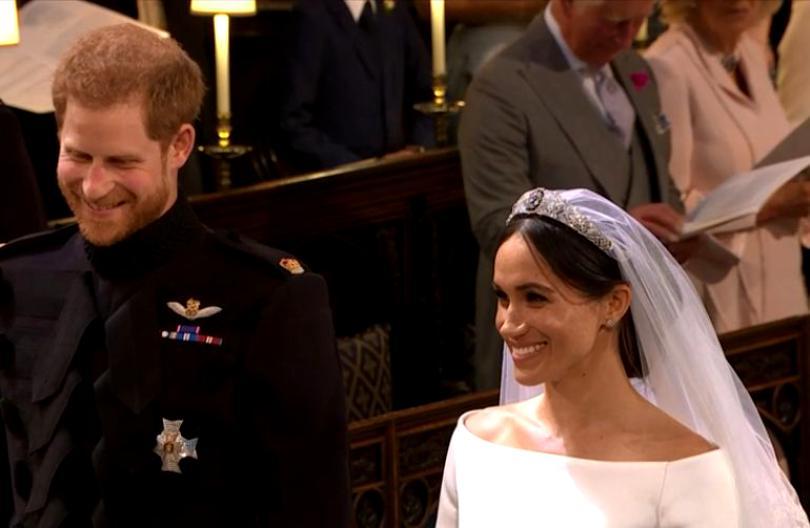 Ezt mondta Harry herceg Meghan Markle-nek, amikor meglátta menyasszonyi ruhában