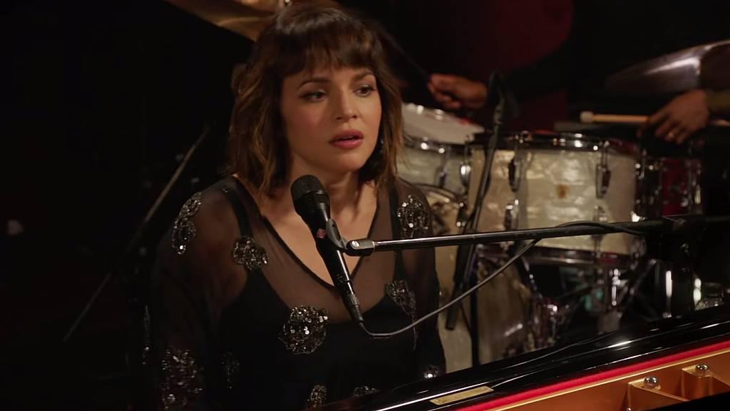 Élő klippremier: Norah Jones - And Then There Was You