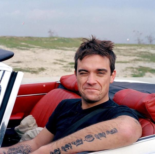 """Robbie Williams: """"Közöld Istennel a terveidet, és meglásd, miként nevet le majd rád!"""""""
