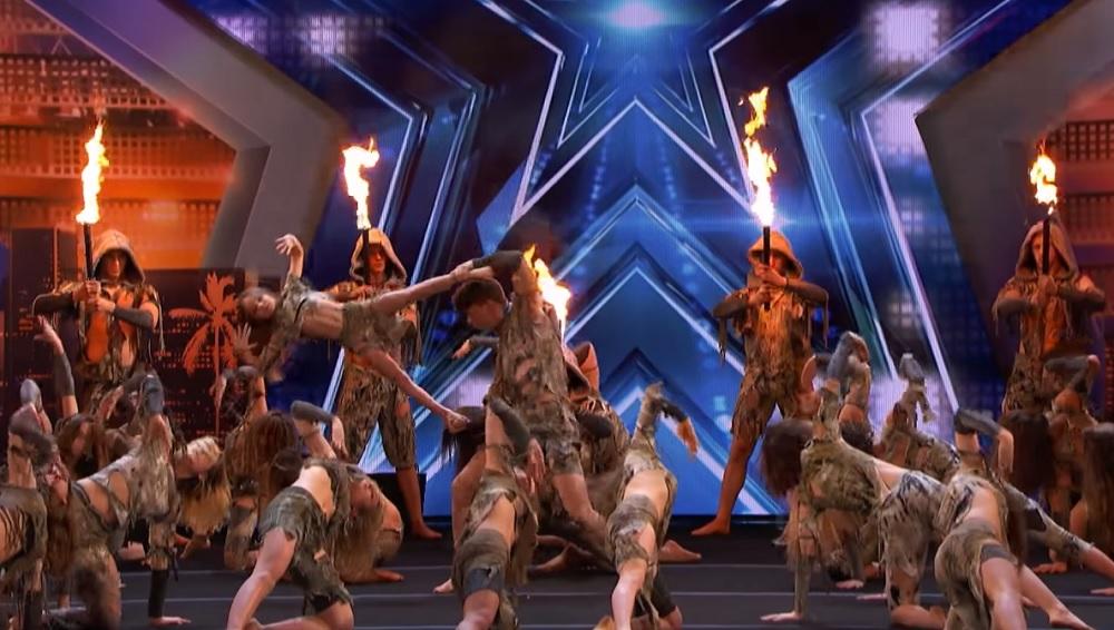 Felrobbantották az internetet ezek a táncosok, mutatványaik ellentmondanak a gravitáció törvényének