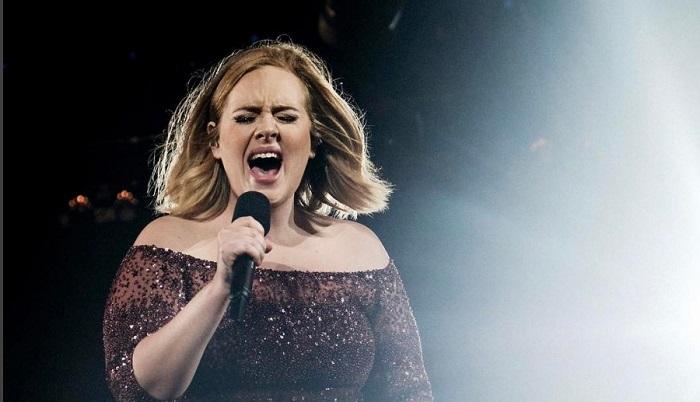 3 év csend után Adele örömteli hírt osztott meg rajongóival
