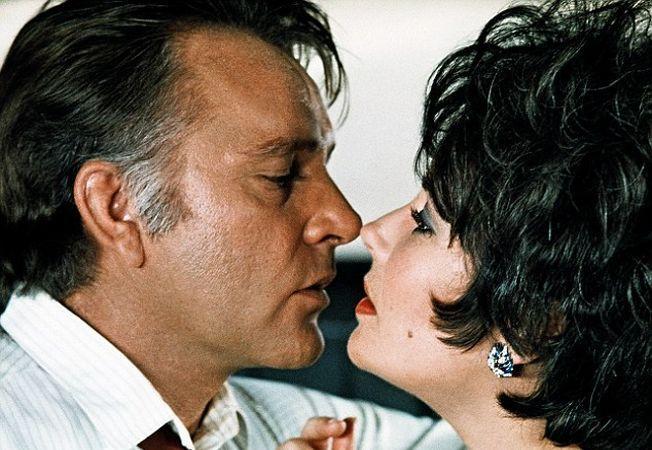 A XX. század szerelmi története: Elizabeth Taylor és Richard Burton eget rengető románca