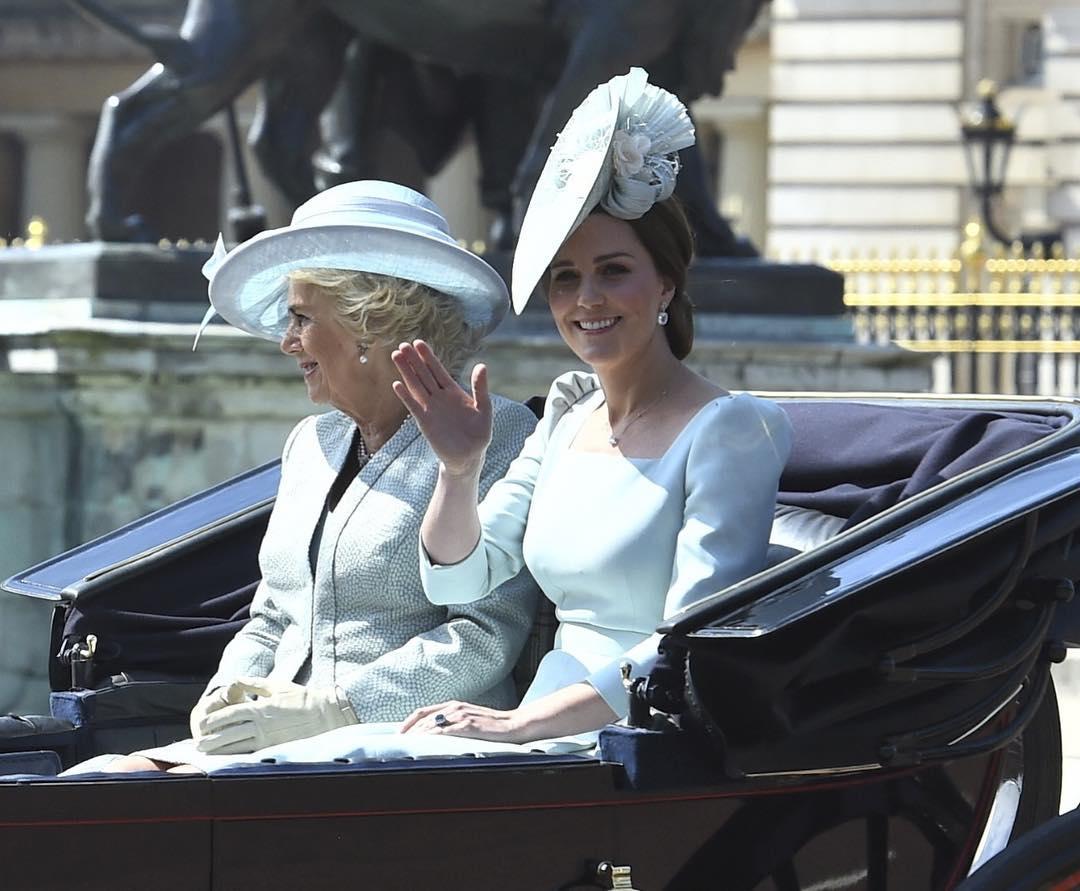 Igaz lenne? Minden jel arra mutat, hogy Kate Middleton ismét gyereket vár!