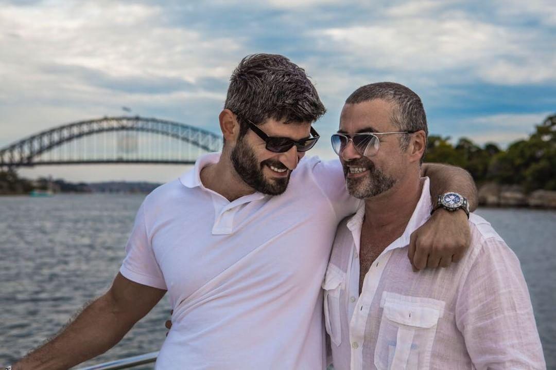 Durva kijelentést tett George Michael barátja, amikor megtudta, kimaradt az énekes végrendeletéből