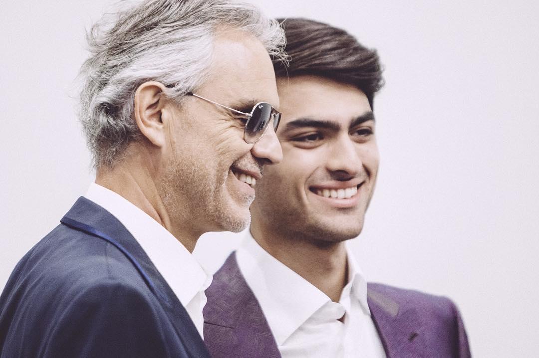Így néz ki Andrea Bocelli piszok jóképű fia