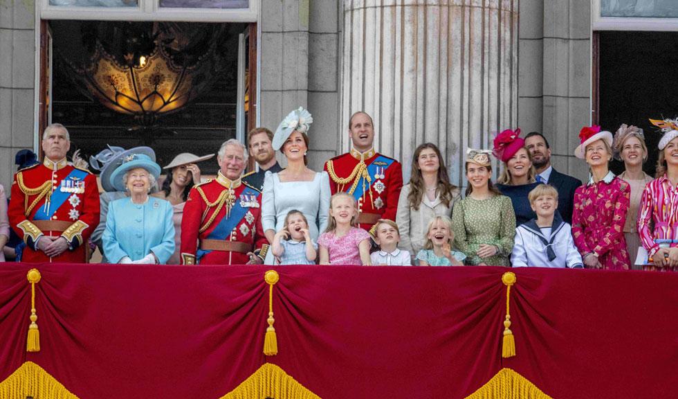 Megvolt az első meleg királyi esküvő Anglia történetében - Így néz ki a boldog pár