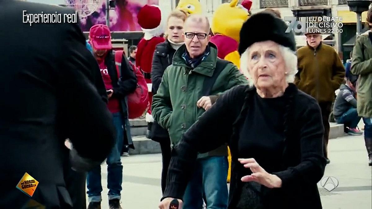 Te tudnál 81 évesen így tangózni? Ez a nagymama bizony még nagyon is tud!