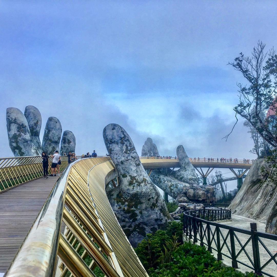 Olyan, mintha az egekben sétálnál! A vietnami Aranyhid talán a világ legcsodálatosabb alkotása