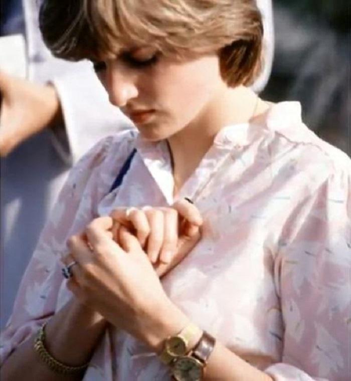 Neked is feltűnt? Hát emiatt viselt két karórát Diana hercegnő!