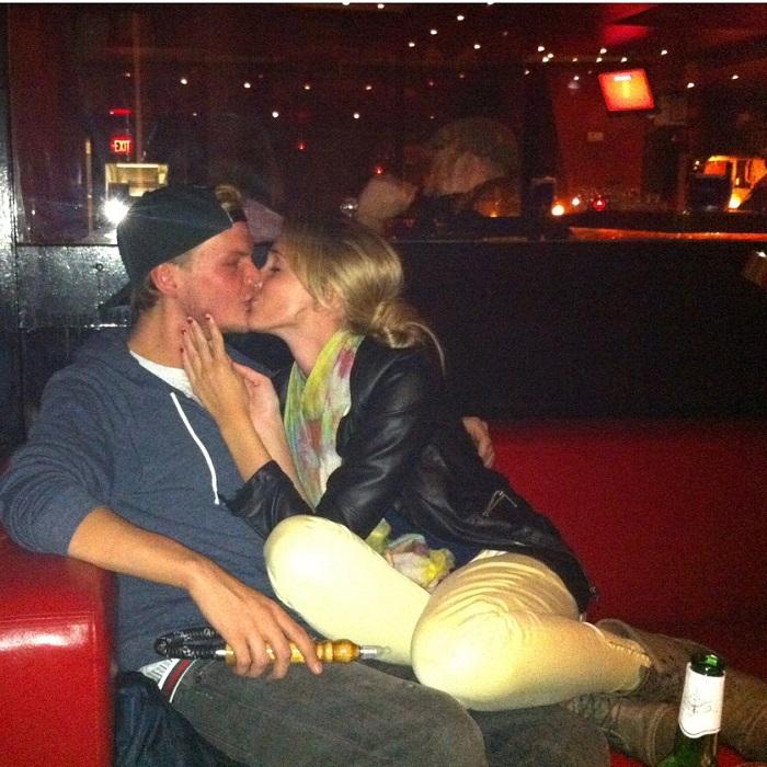 """Megható üzenettel búcsúzik Aviciitől volt barátnője: """"Kelts fel, ha vége van, mert nem akarom, hogy ez valóság legyen!"""""""