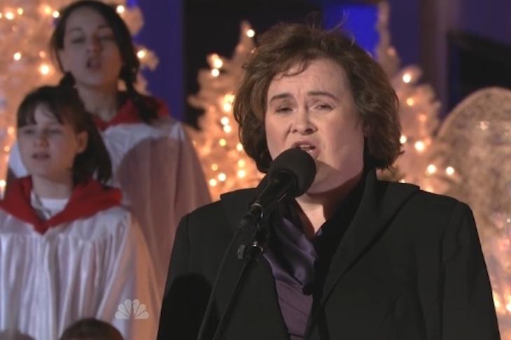 Susan Boyle úgy énekli a karácsonyi dalt, hogy attól te is megborzongsz